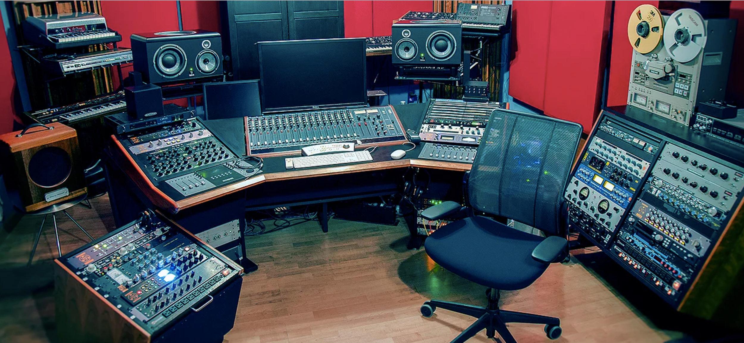 flux studios masteringworks high end audio gear. Black Bedroom Furniture Sets. Home Design Ideas